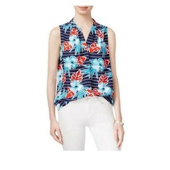 Maison Jules Tops - NWT Maison Jules tropical printed v neck tank top